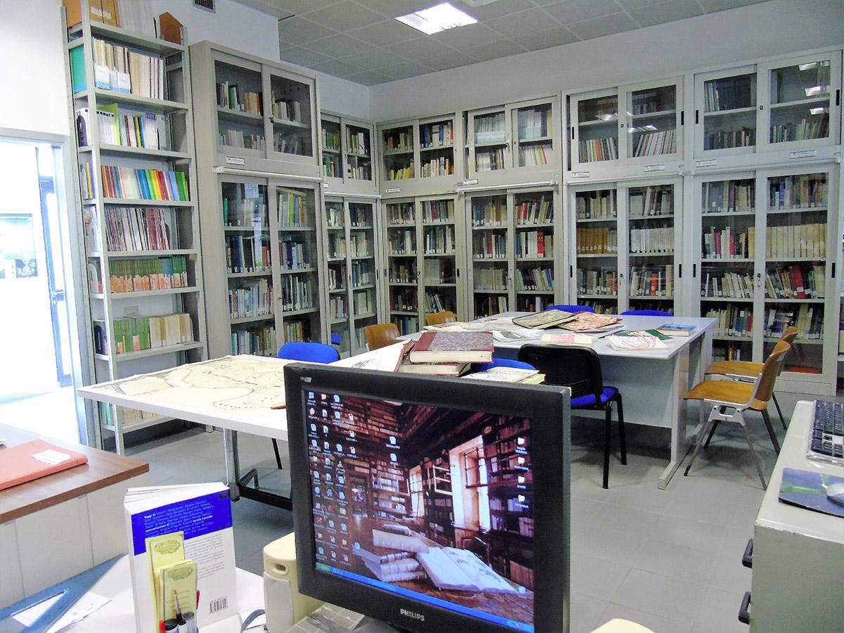 Biblioteca PAU