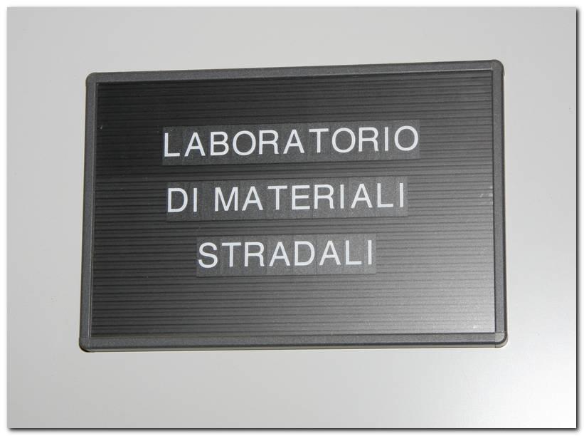 Laboratorio di prove su materiali stradali